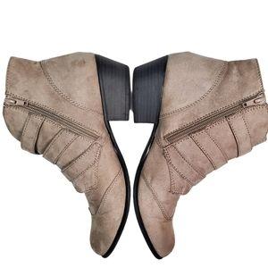 SO Women's Ankle Booties Sz 9